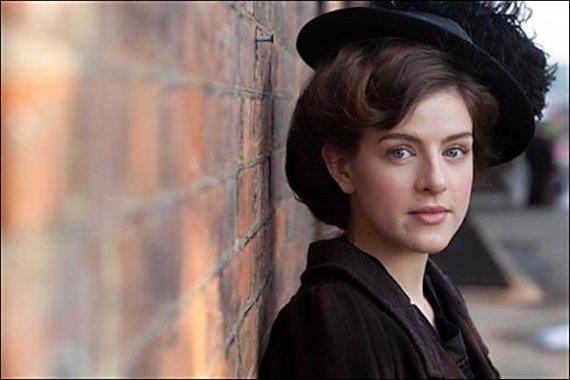 Agnes-towler-actress-aisling-loftus.jpg